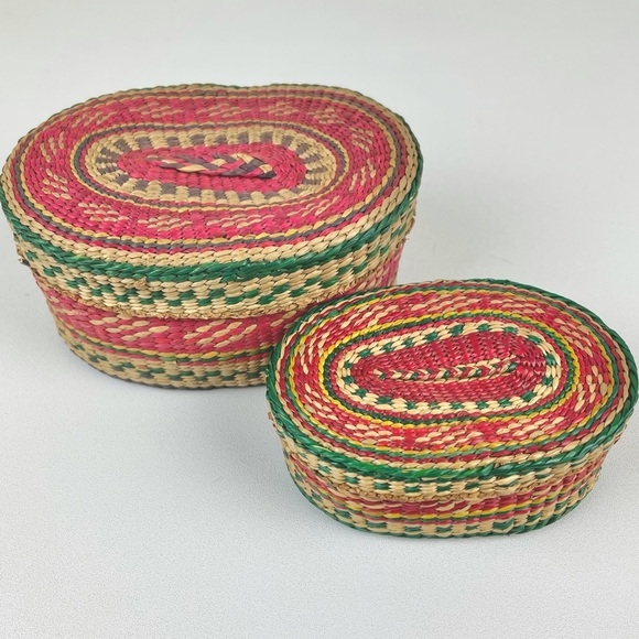 VTG Nesting Lidded Multicolor Baskets Chinese Red Green Yellow Set of 2 Decorati
